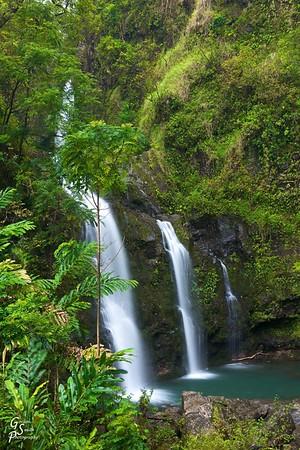 Waikani Waterfall