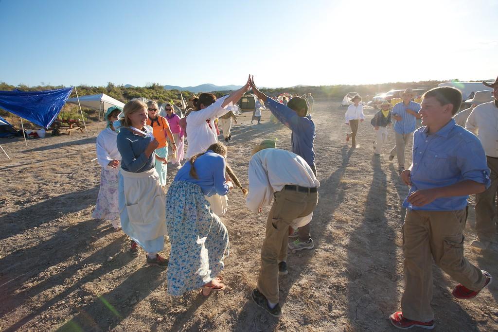 Pioneer line dancing Mosida Trek